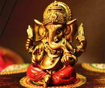 Figura de Ganesha para estudiantes