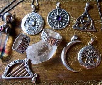 Amuletos y Talismanes - Ciencias Ocultas