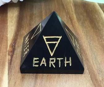 Pirámide de ónix para tener buenos resultados en los exámenes