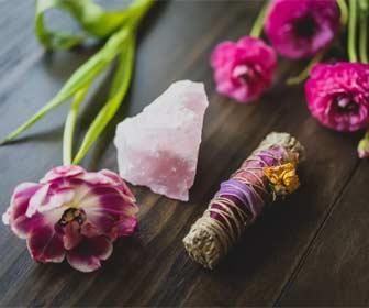 Rituales del Cuarzo Rosa